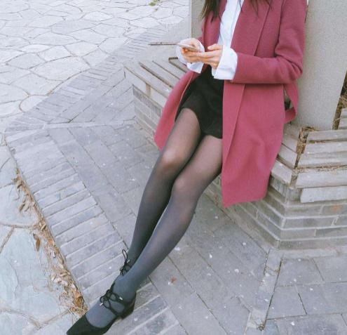 男人为什么喜欢丝袜?连爱爱的时候都想着女人穿着
