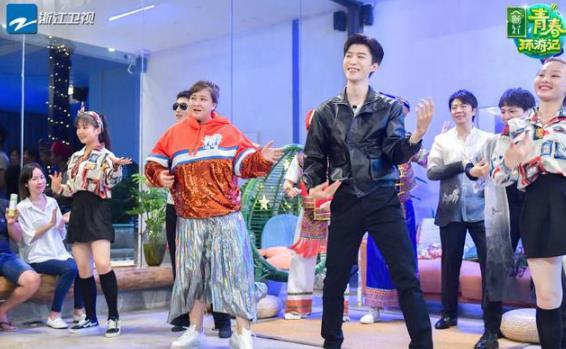 范丞丞贾玲跳舞的节目是什么?他和范冰冰是什么关系?