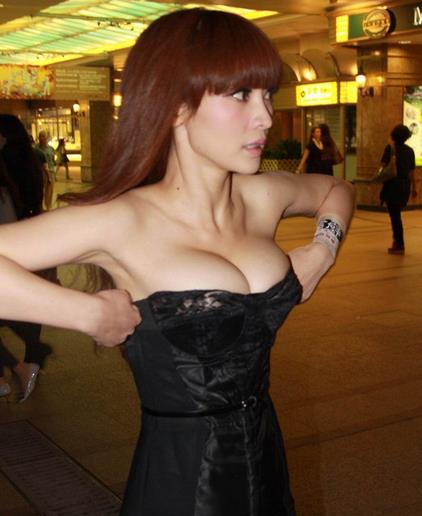 36f罩杯女生的照片,多大的胸才是男人最爱的?