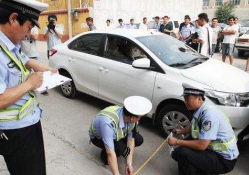 出租车牌已经合法了吗?车牌出租出了事故谁负责?