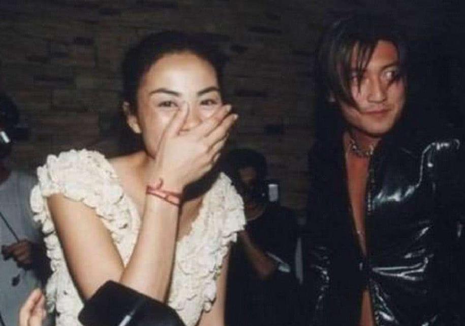 谢霆锋为什么迷恋王菲至今 或许这就是义无反顾的爱情