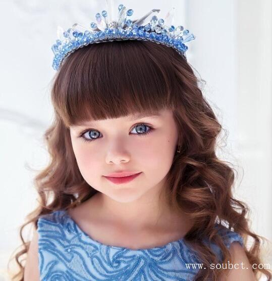 世界最美小女孩年仅八岁,花容月貌惊为天人