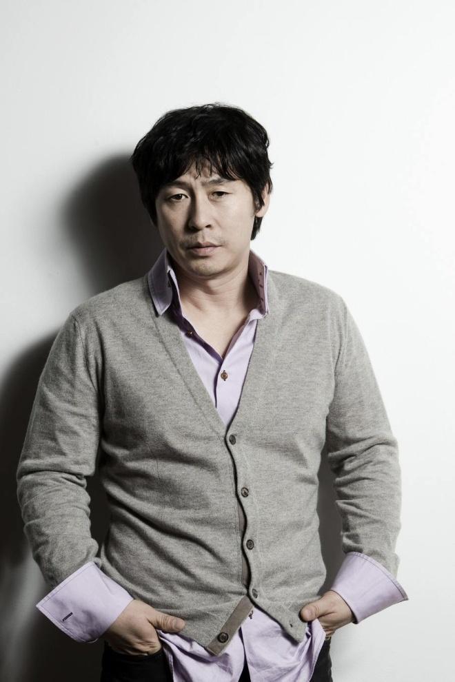 如何评价薛景求的演技?他在韩国的地位如何?