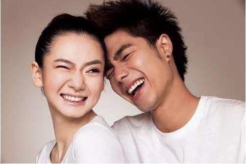 戚薇和李承铉是怎么认识的:戚薇前男友有谁