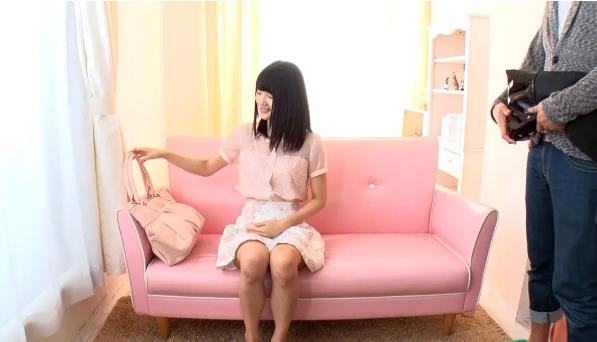 白咲碧沙发三连坐介绍:白咲碧性感照片大全