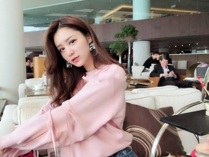 林峰女友张馨月是哪里人个人资料背景简介,两人是怎么认识的?
