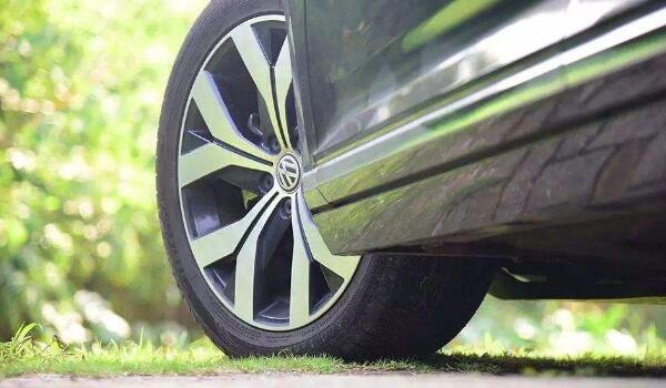 轮胎上面的日期怎么看?轮胎看日期在哪里看?