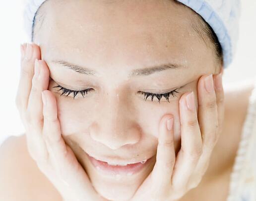 卸妆水平时不化妆可以用吗?不化妆卸妆水可以每天用吗?