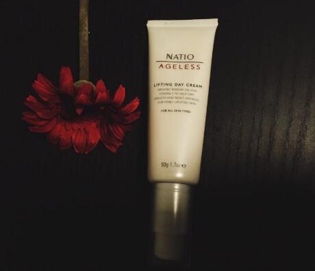 爽肤水和妆前乳一样吗?爽肤水和妆前乳有什么区别?