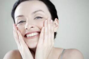 脸上痘坑怎么消除?保养皮肤的20种方法