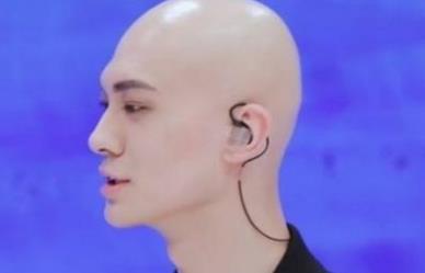 梁森为什么没头发,梁译木为什么改名叫梁森