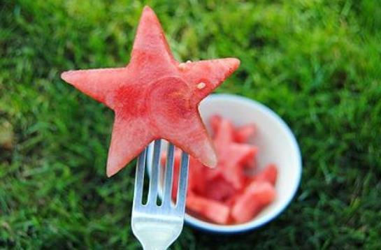 吃西瓜会上火吗?吃西瓜会拉肚子吗?