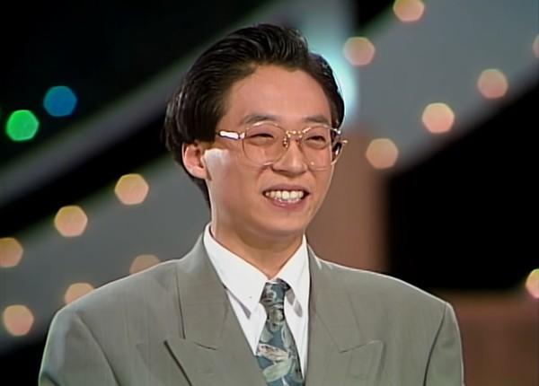 刘在锡30年前出道大学生嫩照曝光