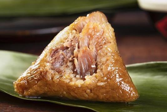 吃了有点酸的粽子会有什么后果?粽子中间蜜枣位置没熟怎么办