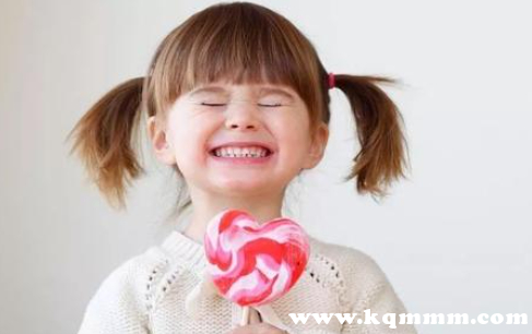 小孩吃糖对大脑发育有好处吗,小孩吃糖对智力的危害