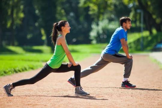 运动强度要多大才能减脂?每天慢跑多长时间最好?