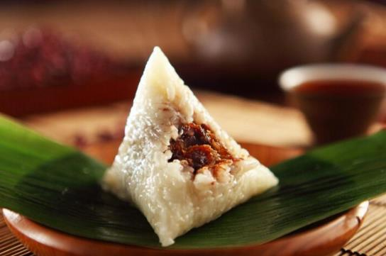 煮粽子锅底用放碗和石头吗?煮粽子要用电饭煲还是汤锅?