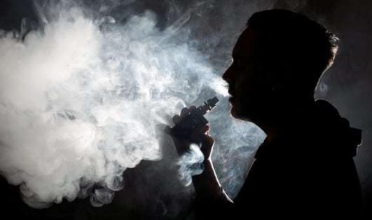 电子烟不吸进肺里有害吗 电子烟和真烟哪个伤肺