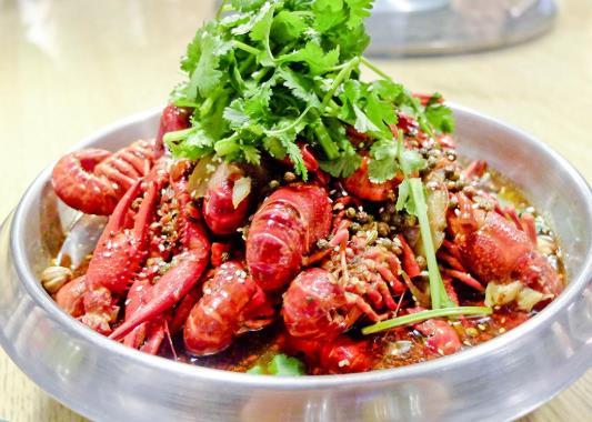 小龙虾肉散是因为去了虾线吗?小龙虾肉质松散是虾的问题吗?