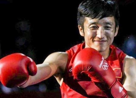 邹市明是什么重量级的拳王,邹市明什么时候开始打拳的