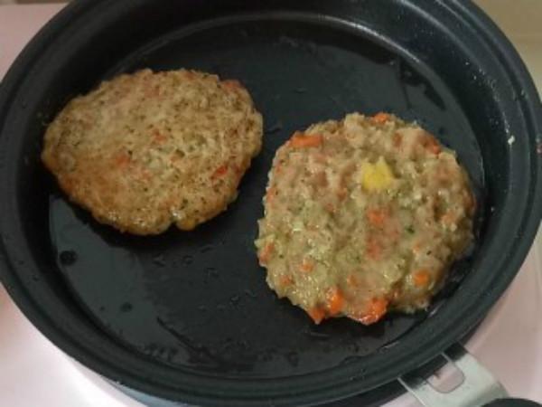 自制牛肉汉堡肉饼做法,日式美食的牛肉汉堡肉饼做法