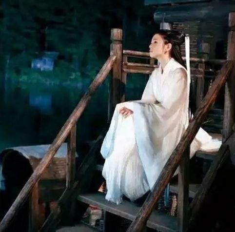 陈晓陈妍希小几岁(陈妍希怀二胎是真的吗)