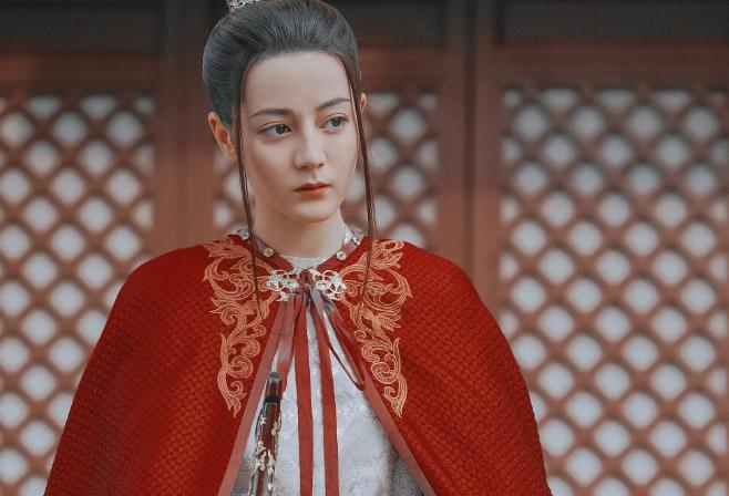迪丽热巴和杨洋演的电视剧叫什么名字(热巴在新疆是什么意思)