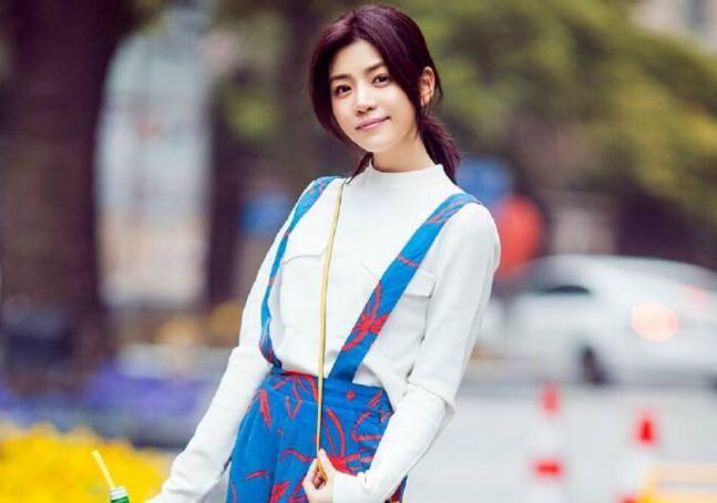 陈晓比陈妍希小几岁?(陈妍希陈晓怎么认识的)