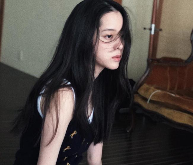 欧阳娜娜是哪年的(欧阳娜娜微博评论)