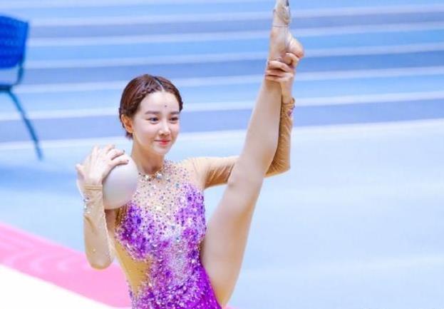 陈小纭以前是什么运动员:陈小纭是专业的运动员吗?
