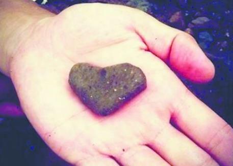 李晨都给谁送过心形石头?李晨的前几个女朋友都有谁