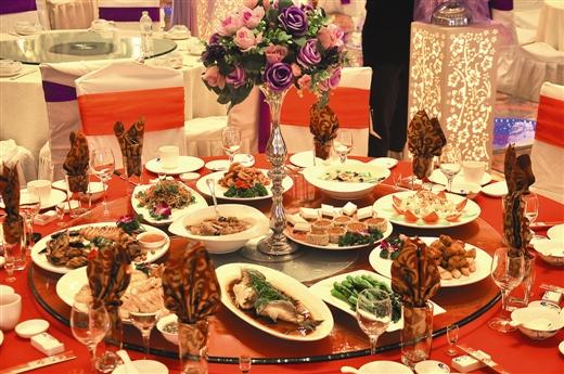 以合欢为主题的婚宴菜品 婚宴百年好合菜品