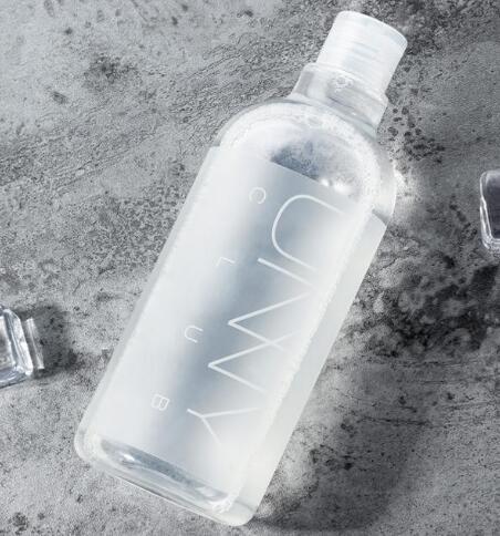 不化妆可以天天用卸妆水吗