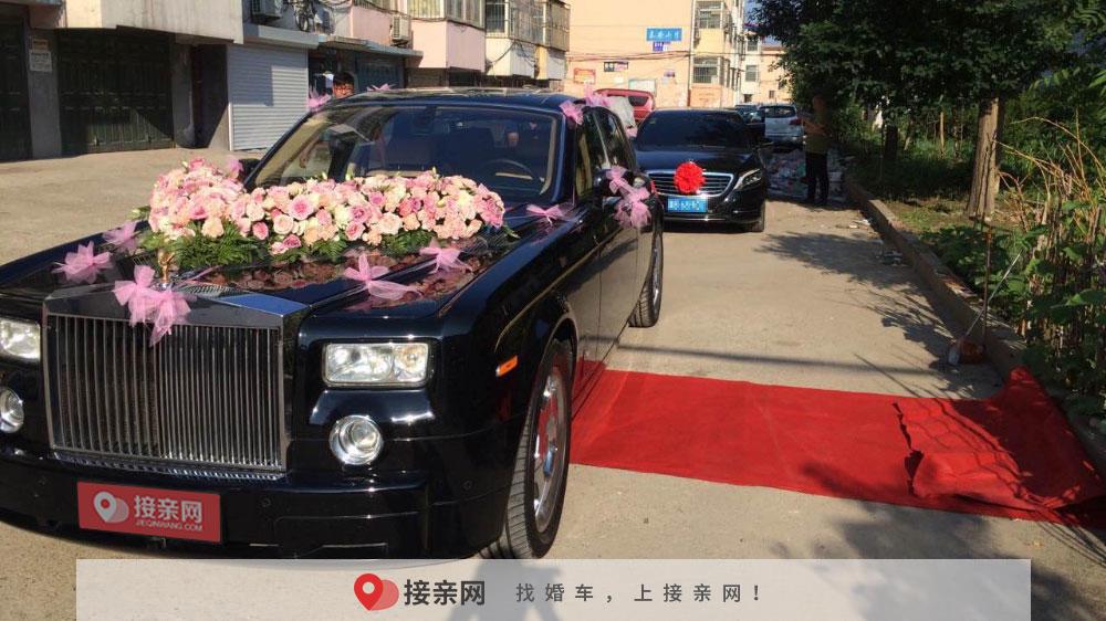 婚车装花多少钱一个 装扮婚车要多少钱一个