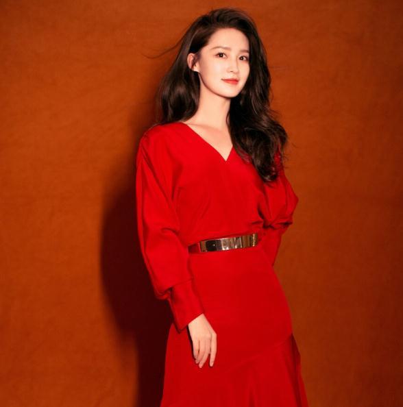 杨洋和李沁主演的电视剧(李沁年龄和个人资料)