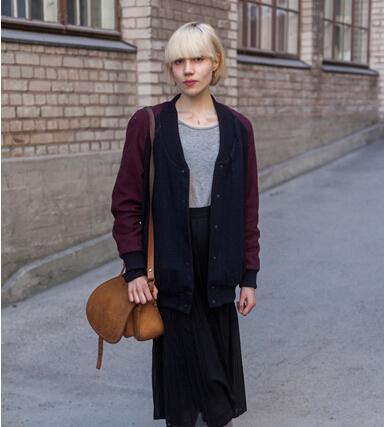 赫尔辛基时尚街拍,浪漫古城的时尚经典