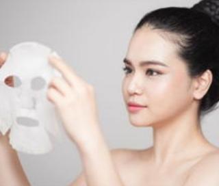 先用洗面奶还是面膜,先用洗面奶洗脸还是先敷面膜