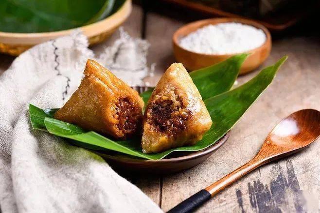 小年吃什么传统美食,小年晚上习惯吃饺子!
